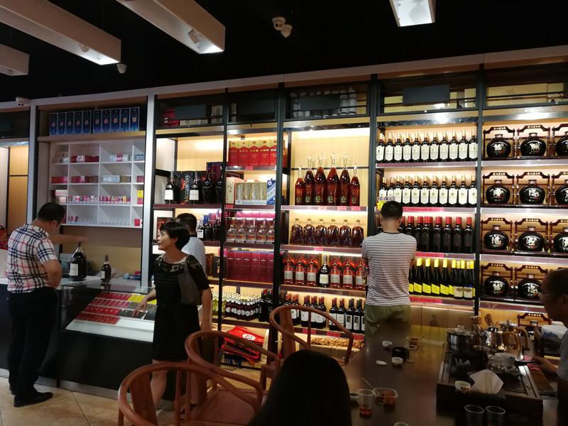 红酒展示柜定制中需关注哪些重点?